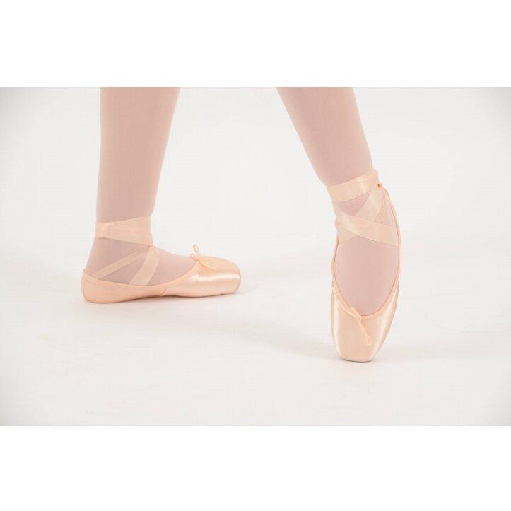 נעלי פוינט בלוך 1