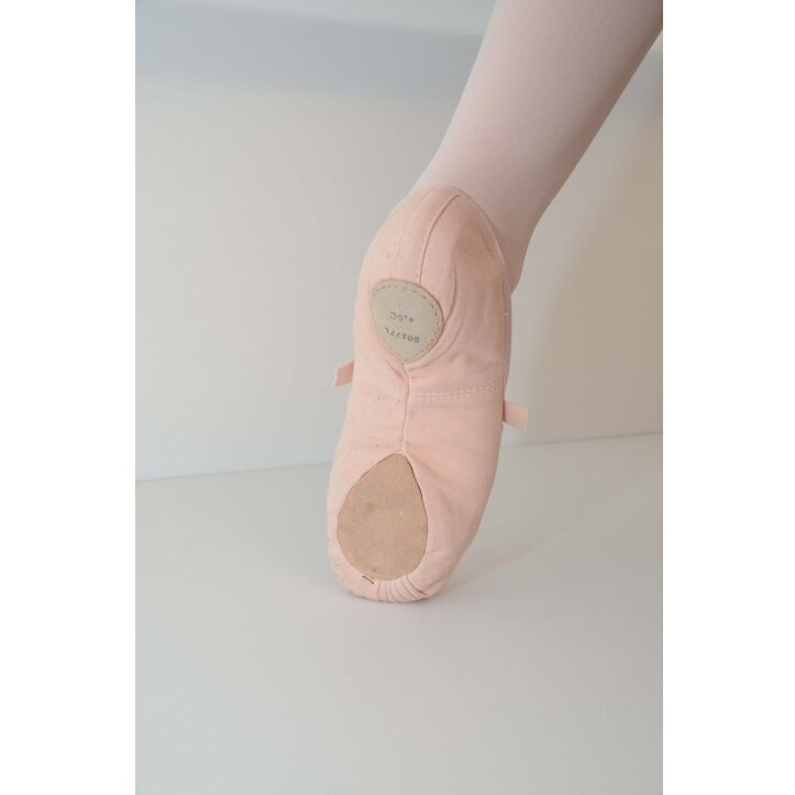 נעלי בלט מפוצלות מבד בלוך 1