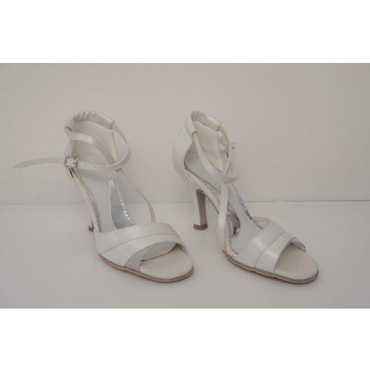 נעלי כלה עם פס כסף 3