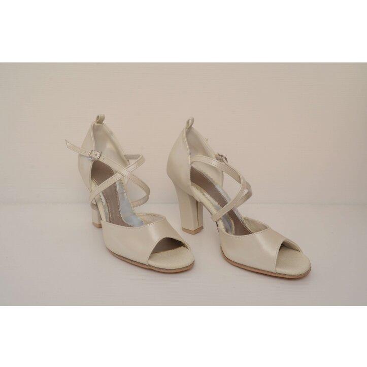 נעלי כלה רצועת איקס צבע קרם 3