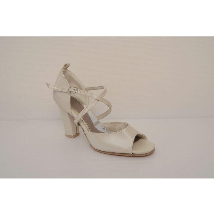 נעלי כלה רצועת איקס צבע קרם 1